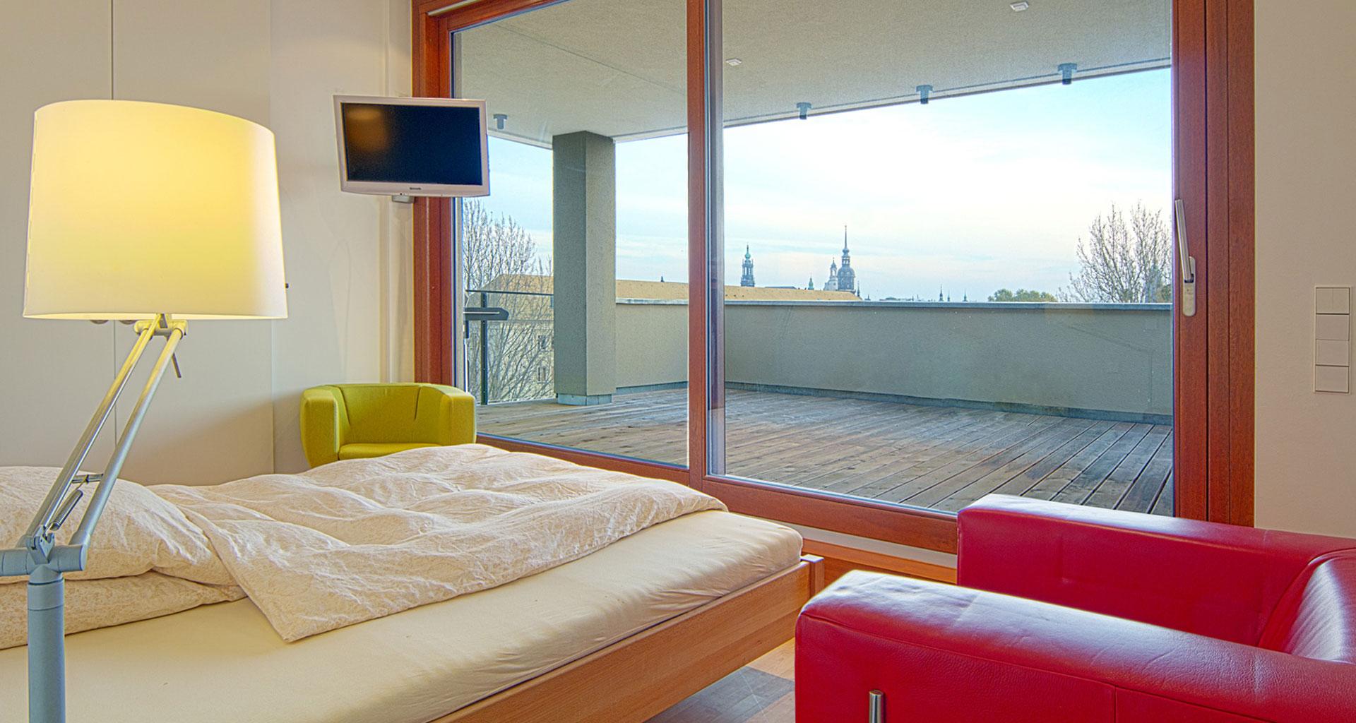 Detailansicht Schlafraum und Terrasse- Columbus Dresden